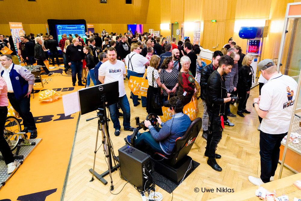 Virtual Reality mieten Cykria Branded VR Racing auf Firmenfeier